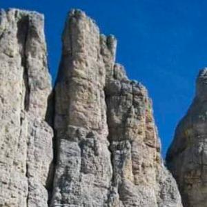 06_Racconti-di-viaggio---Emiliano Ardigo---campitello---sen-jan---canazei---moena---soraga---val-di-fassa---dolomites---myfassaplus---Dolomiti 03